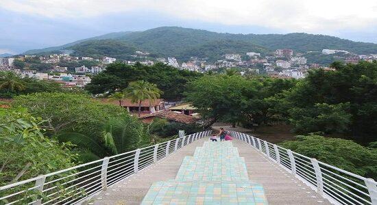 Bridge from the Gringo Gulch to Puerto Vallarta's Isla Rio Cuale